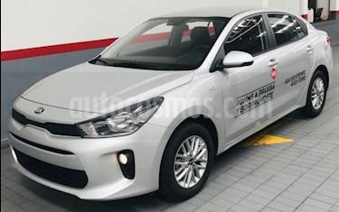 Foto venta Auto usado Kia Rio Sedan 4p LX L4/1.6 Man (2019) color Plata precio $236,000