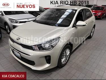 Foto venta Auto usado Kia Rio Sedan 5p LX L4/1.6 Man (2018) color Beige precio $214,000