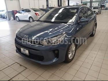 Foto venta Auto usado Kia Rio Sedan 5p LX L4/1.6 Man (2018) color Gris precio $209,000