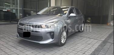 Foto venta Auto usado Kia Rio Sedan 5p LX L4/1.6 Man (2018) color Gris precio $195,000