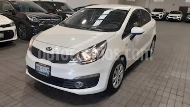 Foto venta Auto usado Kia Rio Sedan 5p LX L4/1.6 Man (2017) color Blanco precio $174,000