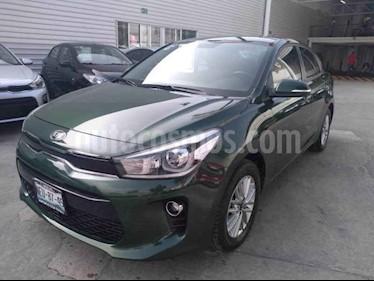 Foto Kia Rio Sedan EX Aut usado (2018) color Verde precio $240,000