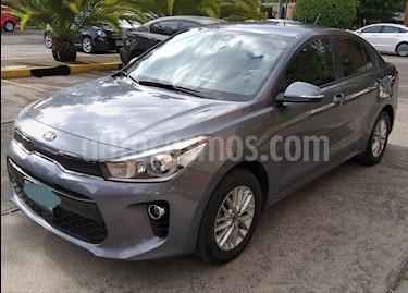 Kia Rio Sedan EX Pack Aut usado (2018) color Gris Urbano precio $229,000