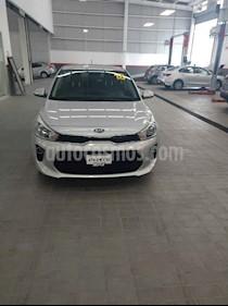 Foto venta Auto usado Kia Rio Sedan EX (2018) color Plata precio $279,000