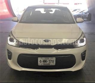 Foto venta Auto usado Kia Rio Sedan EX (2018) color Blanco precio $269,900