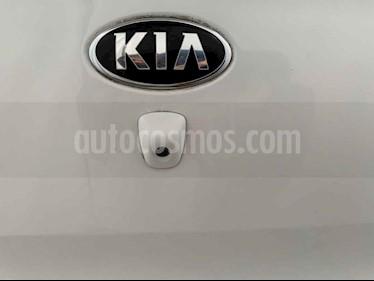 Foto venta Auto usado Kia Rio Sedan EX (2017) color Blanco precio $159,900