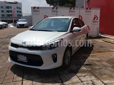 Foto venta Auto usado Kia Rio Sedan EX (2018) color Blanco precio $265,000