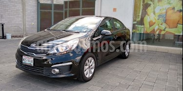 Foto Kia Rio Sedan EX usado (2017) color Negro precio $200,000