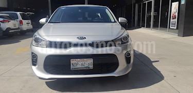 Foto venta Auto usado Kia Rio Sedan EX (2018) color Plata precio $230,000