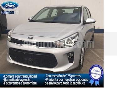 Foto venta Auto Seminuevo Kia Rio Sedan EX (2018) color Plata precio $235,000