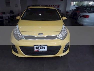 Foto venta Auto usado Kia Rio Sedan EX (2017) color Amarillo precio $194,000