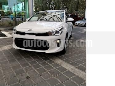 Foto venta Auto usado Kia Rio Sedan EX (2018) color Blanco precio $234,000