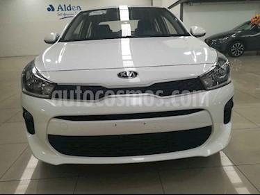 Foto Kia Rio Sedan L Aut usado (2019) color Blanco precio $207,000