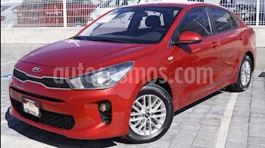 foto Kia Rio Sedán L Aut usado (2018) color Rojo precio $215,000