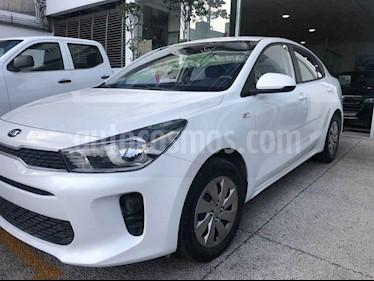Foto Kia Rio Sedan LX Aut usado (2018) color Blanco precio $159,000