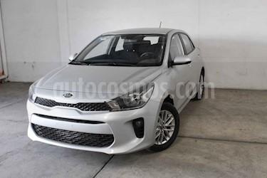 Foto venta Auto usado Kia Rio Sedan LX Aut (2018) color Plata precio $234,000