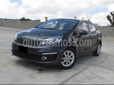 Foto venta Auto usado Kia Rio Sedan LX (2017) color Grafito precio $179,000