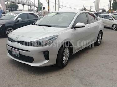 Foto venta Auto usado Kia Rio Sedan LX (2018) color Plata precio $210,000