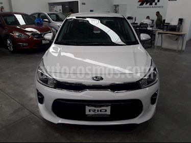 Foto venta Auto usado Kia Rio Sedan LX (2018) color Blanco precio $269,000