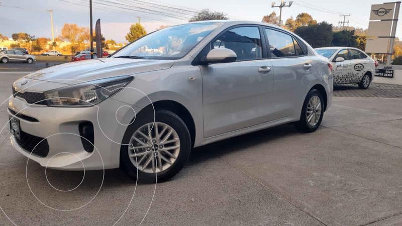 Kia Rio Sedan LX usado (2020) color Plata precio $241,900