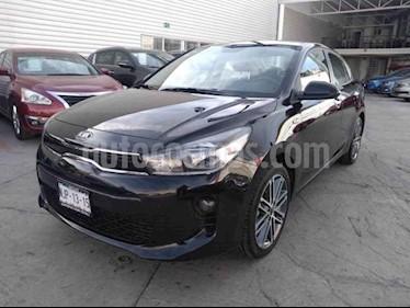 Kia Rio Sedan EX Aut usado (2019) color Negro precio $300,000