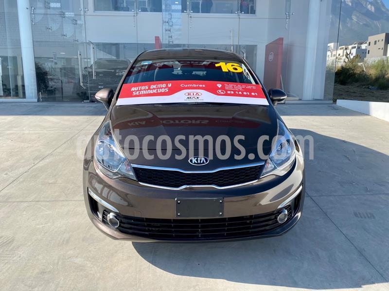 Kia Rio Sedan EX usado (2016) color Cafe precio $184,000