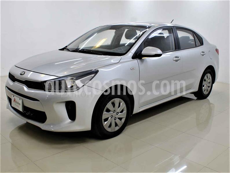Kia Rio Sedan L Aut usado (2018) color Plata precio $170,000