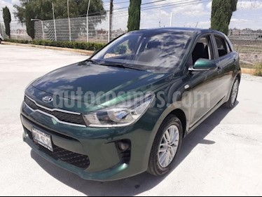Kia Rio Sedan 5P HB LX AT VE F. NIEBLA RA-15 usado (2018) color Verde precio $169,000