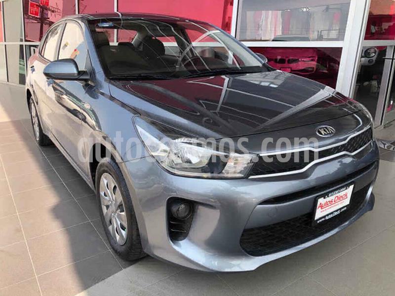 Kia Rio Sedan L usado (2019) color Gris precio $199,000