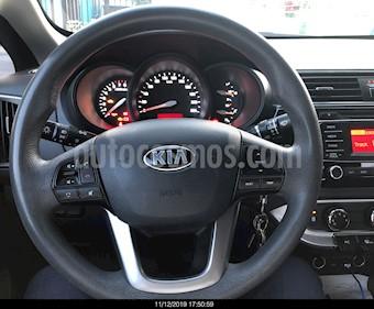 Kia Rio Sedan LX usado (2017) color Plata precio $160,000