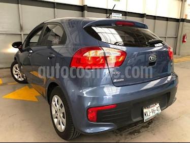 Kia Rio Sedan 4P LX AT VE DEL. R-15 usado (2016) color Azul precio $160,000