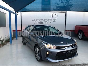 Kia Rio Sedan EX Pack Aut usado (2019) color Gris precio $265,000