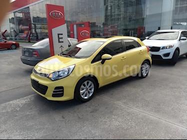 Kia Rio Sedan EX usado (2017) color Amarillo precio $188,900