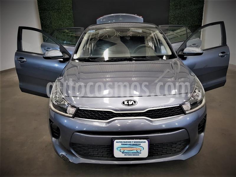 Kia Rio Sedan L usado (2020) color Gris Urbano precio $209,999