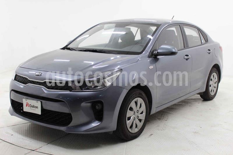 Kia Rio Sedan L Aut usado (2019) color Gris precio $185,000