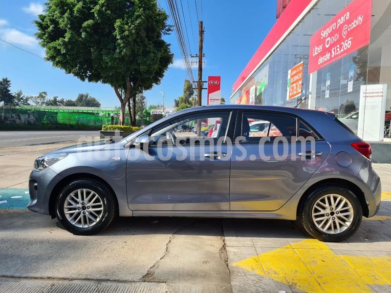 Kia Rio Sedan LX usado (2018) color Gris precio $198,000
