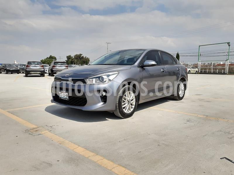 Kia Rio Sedan EX usado (2018) color Gris precio $225,000