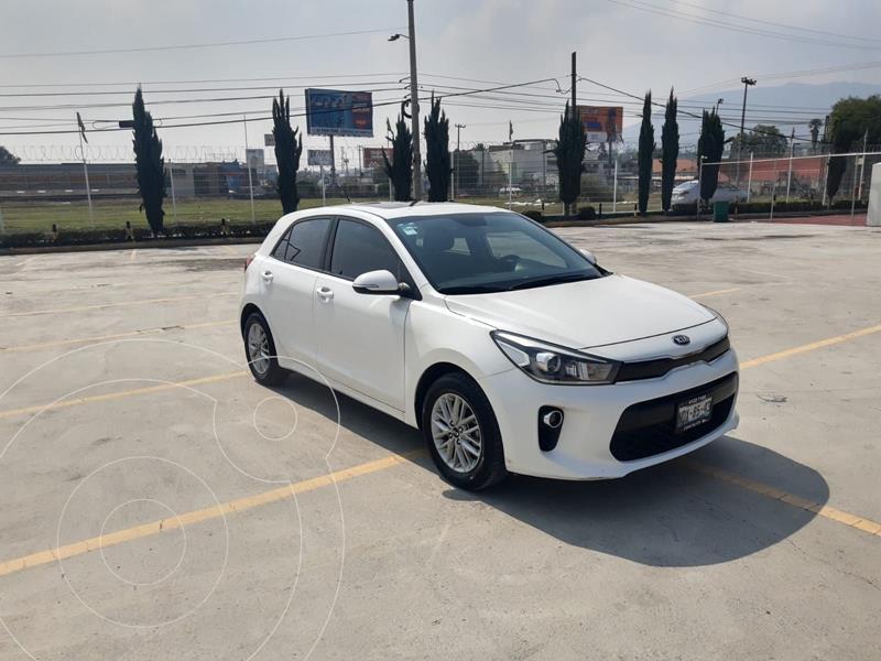 Foto Kia Rio Sedan EX usado (2018) color Blanco precio $232,900