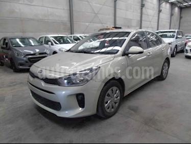 Kia Rio Sedan L usado (2019) color Plata precio $80,000