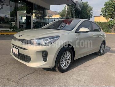 Foto Kia Rio Sedan LX usado (2019) color Dorado precio $218,000