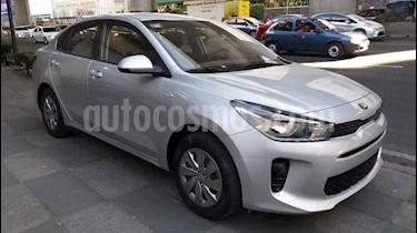 Kia Rio Sedan L Aut usado (2018) color Blanco precio $150,000