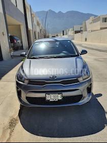 Kia Rio Sedan LX Aut usado (2020) color Gris Urbano precio $257,000