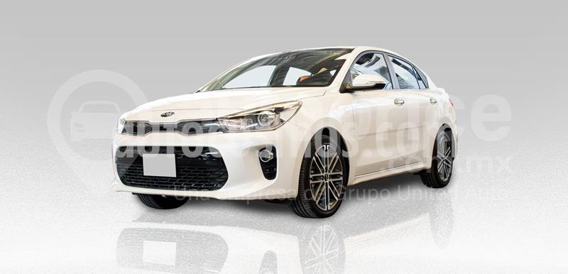 Kia Rio Sedan EX Pack Aut usado (2019) color Blanco precio $250,000