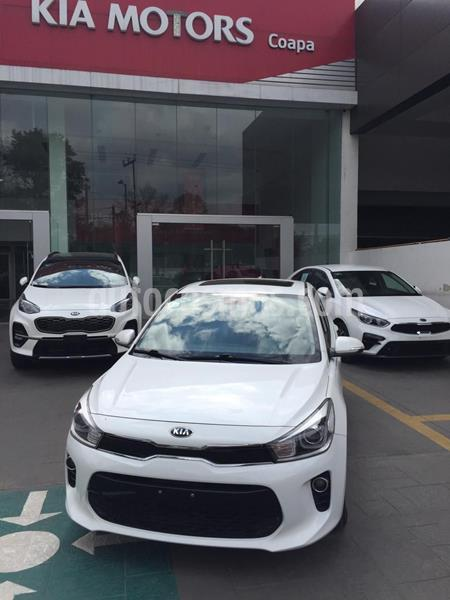 Kia Rio Sedan EX usado (2018) color Blanco precio $220,000