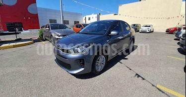 Kia Rio Sedan LX Aut usado (2020) color Gris precio $240,000