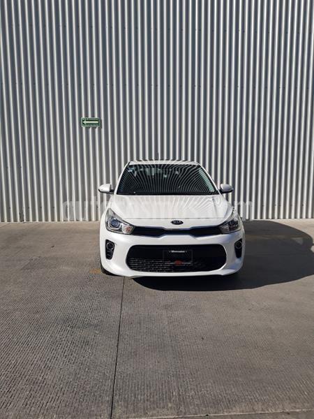 Kia Rio Sedan EX Pack Aut usado (2019) color Blanco precio $289,000
