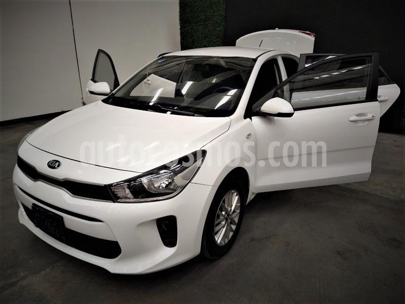 Kia Rio Sedan LX usado (2019) color Blanco precio $222,499