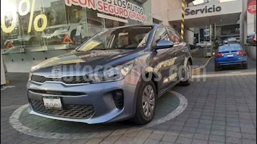 Kia Rio Sedan LX Aut usado (2019) color Gris precio $235,000