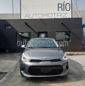 Kia Rio Sedan EX Aut usado (2019) color Gris precio $269,000