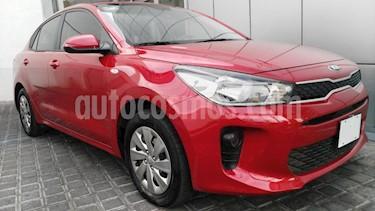 Kia Rio Sedan 4P L L4/1.6 AUT usado (2019) color Rojo precio $195,000